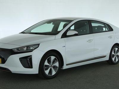 tweedehands Hyundai Ioniq Comfort EV [ slechts 9.200 km. wegenbelastingvrij navi adapt.cruise ] Ex BTW