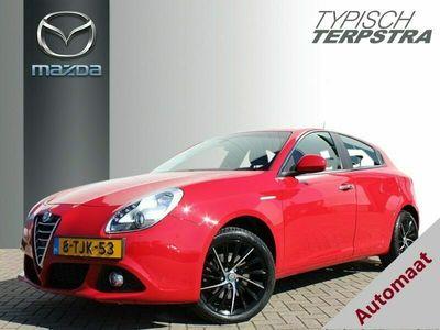 "tweedehands Alfa Romeo Giulietta 1.4 Turbo Distinctive Lusso 17"" Lichtmetaal/Navi"