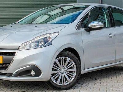 tweedehands Peugeot 208 1.2 VTi 110 PK! Allure l Clima l Navi l Cruise