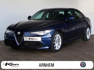 tweedehands Alfa Romeo Giulia 2.0T Super 200pk / Veloce In- & Exterieur / Navigatie