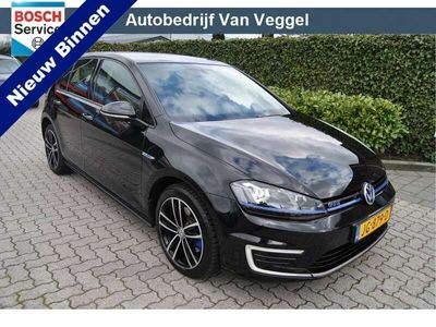 tweedehands VW Golf 1.4 TSI GTE ex btw, panorama, pdc, navi, cruise,