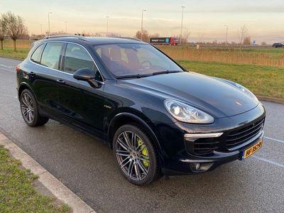 tweedehands Porsche Cayenne 3.0 S E-Hybrid (INCL-BTW) AUT. *NAVI+VOL-LEDER+XENON+SPORT-CHRONO+AIR-SUSPENSION+360-CAMERA+DAB+ECC+CRUISE*