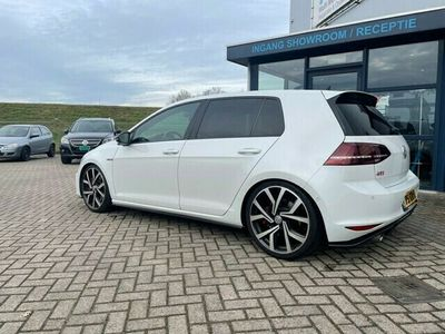 tweedehands VW Golf 2.0 TSI GTI Performance 5 deurs 230 PK