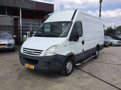 tweedehands Iveco Daily 35 S 12 V