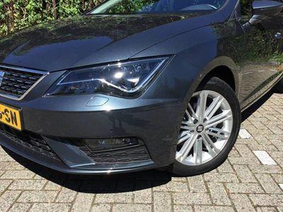 tweedehands Seat Leon 1.5 TSI Xcellence | 130 pk | navi via app | full led | clima | cruise | stoelverw. |