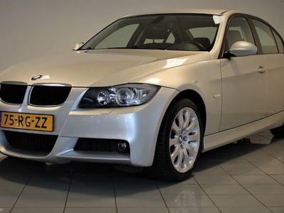 tweedehands BMW 320 3-SERIE i M-pakket Dynamic Executive automaat 150pk [ xenon climate control lm velgen
