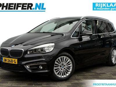 tweedehands BMW 218 2 Serie Gran Tourer i 136pk Centennial High Executive 7p. Lederen int. / Harman Kardon / Stoelverwarming / Elek. schuifdak / Camera / LED