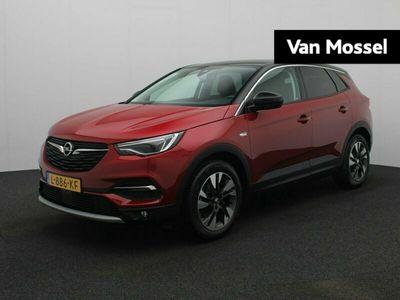 "tweedehands Opel Grandland X 1.2 Turbo Innovation 130pk | Navi | 18"" Bi-Color Velgen | Keyless | ECC |"