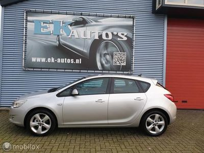 tweedehands Opel Astra 1.4 Turbo Edition 140pk Navigatie 17inch, PDC v+a