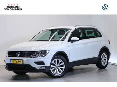 tweedehands VW Tiguan 1.4 TSI 125 PK Connected Series | Trekhaak | Navigatie | App connect | Cruise control |