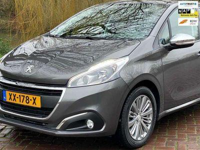 "tweedehands Peugeot 208 1.6 BlueHDi Blue Lease 1 Eig 3-2018 ,Navi 16""lm 10000 km"