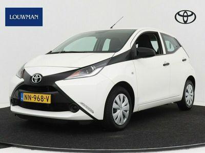 tweedehands Toyota Aygo 1.0 VVT-i x-now airco | Elektrische ramen voor | LED dagrijverlichting |