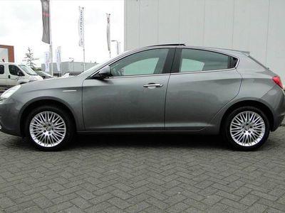 tweedehands Alfa Romeo Giulietta 1.4T 170pk Exclusive |NAVI |PANORAMADAK