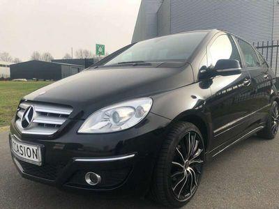 tweedehands Mercedes B150 Black edition open glazen lamellendak groot navi g