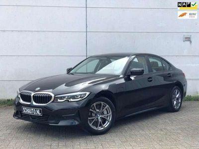 tweedehands BMW 330e 330High Executive // HUD // CAMERA // ADAPTIVE /