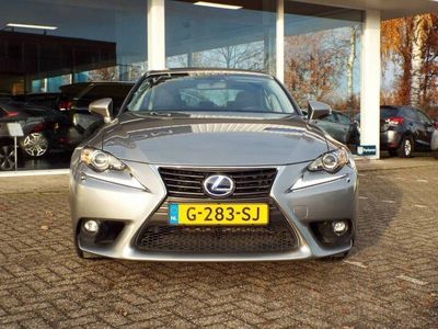 tweedehands Lexus IS300h 180 pk Hybrid | Navi | Bluetooth carkit en audio | Camera | Regen- en lichtsensor | ECC | Cruise Control
