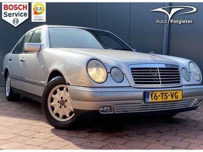 tweedehands Mercedes E230 Classic