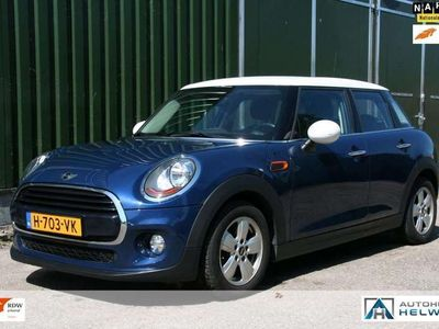 tweedehands Mini Cooper 1.5 Serious Business CLIMA, NAVI, PDC, CRUISE 2017