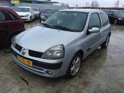 tweedehands Renault Clio 1.4-16V Privilege