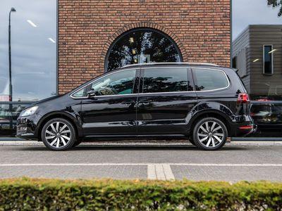 tweedehands VW Sharan 2.0 TDI 184 PK DSG Highline ACC, Xenon, Trekhaak!