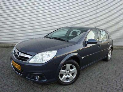 tweedehands Opel Signum 2.2-16V Elegance Automaat