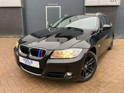 tweedehands BMW 325 i 3.0 Touring Executive [LCi, NAVI]