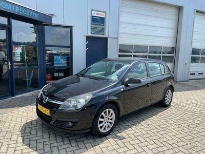 tweedehands Opel Astra 1.6 Sport 5 deurs met airco APK 2022