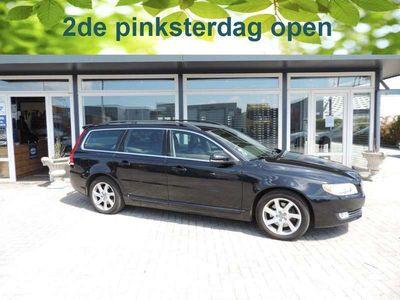 tweedehands Volvo V70 2.4 D5 Momentum 50 procent deal 5.375,- ACTIE Trek