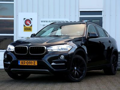 tweedehands BMW X6 xDrive30d 258PK High Executive 5p. Aut.*Perfect Onderh.*Schuif-/kanteldak/Standkachel/Elek. Trekhaak/Head-Up/Comfort stoelen/Keyless Entry+Go/Gr. Navi/Adap. LED Koplampen/VOL*