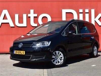 tweedehands VW Sharan 2.0 TDI Highline 7p. Automaat | Navi | Trekhaak | Clima | Cruise | PDC | LMV