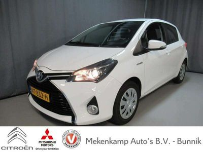 tweedehands Toyota Yaris 1.5 Hybrid Lease Limited Navigatie/Camera/Climate/