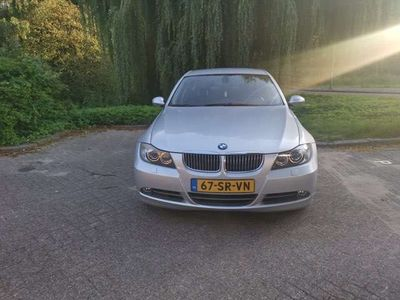 tweedehands BMW 330 i High Executive