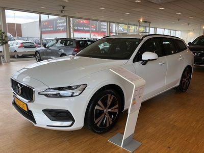 tweedehands Volvo V60 II B3 163pk Geartronic Mild Hybrid Momentum...