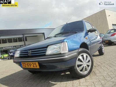 tweedehands Peugeot 205 1.4 Génération Elek. Ramen. Radio-CD. APK 07-2021!