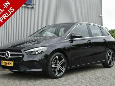 tweedehands Mercedes B180 Launch Edition Premium Plus Automaat, Navi, Stoelverwarming, Half leder, 18'' lmv