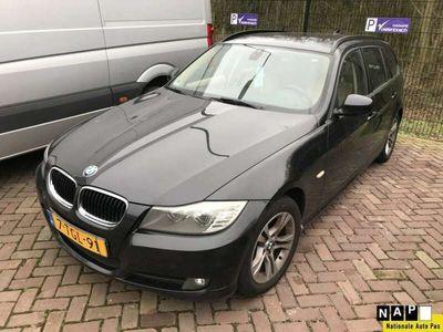 tweedehands BMW 318 318 d Corp. L. Lux L. * NAVIGATIE * LEDER *