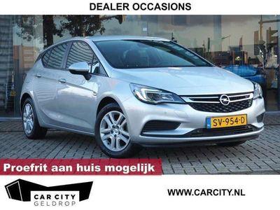 tweedehands Opel Astra 1.0 Turbo / DAB / Camera / Elek. stoelen / Navigat
