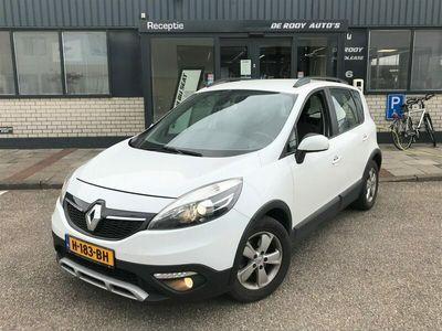 tweedehands Renault Scénic 1.2 TCe XMod Expression Navigatie, parkeersensoren, hoge instap, etc.