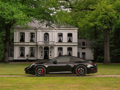 tweedehands Porsche 911 Carrera 4S 992   Bose   Achteras-sturing   Schuif-/kanteldak   Volle auto!