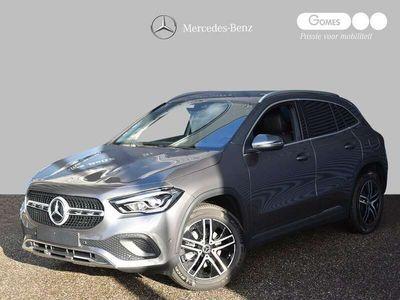 tweedehands Mercedes GLA180 Business Solution Luxury | Achteruitrijcamera | Stoelverwarming | Widescreen MBUX