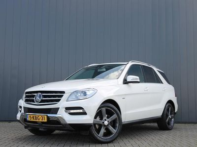 tweedehands Mercedes 350 M-KLASSEBlueTEC AUT. / NAVI / LEDER / SCHUIFDAK / LUCHTVERING