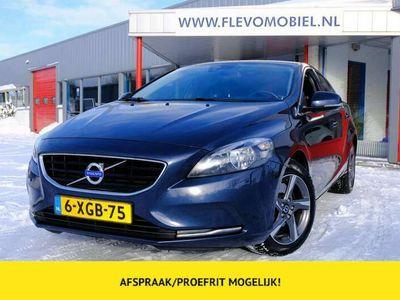 tweedehands Volvo V40 2.0 D4 190pk Momentum Business Navi|PDC|LMV