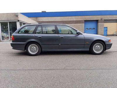 tweedehands BMW 501 540 540i TOURING E39 FJORDGRAU V8PK