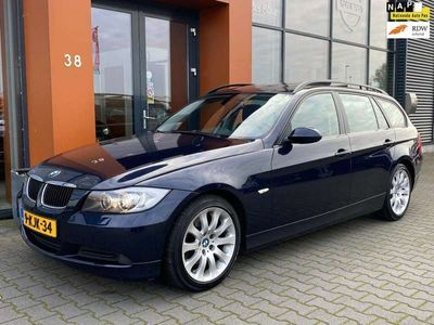 tweedehands BMW 318 318 Touring i High Executive|Panoramadak|Trekhaak