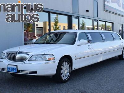 tweedehands Lincoln Town Car Limousine 120'' 9 persoons Limo Bar/Leer/Neon/BCT/