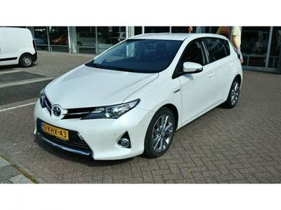 tweedehands Toyota Auris 1.8 Hybrid Executive | Camera | Zondag Open!