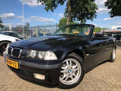 tweedehands BMW 318 Cabriolet 318i Executive Km 152330 Stoelverwarming