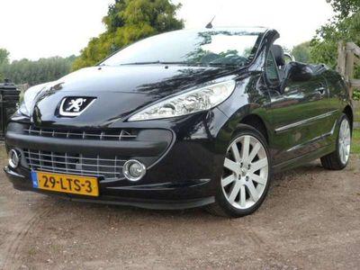 tweedehands Peugeot 207 CC 1.6 i,noir & blanc,e leder,mooi !!!
