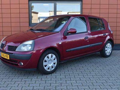tweedehands Renault Clio 1.4-16V Privilège Meeneemprijs