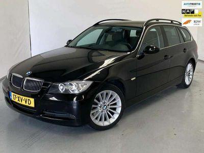 tweedehands BMW 325 325 Touring i Executive / Aut / Leder / Navi / NL A